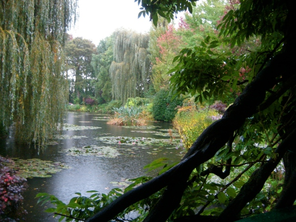 It's good to break your routine, too!  Giverny...